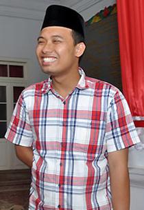 Anak Bupati Menag Mutlak Telak Pilkada Bangkalan 2012