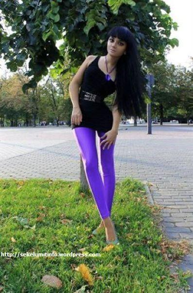 Ksenia-K. Si Barbie Hidup Berambut Hitam4